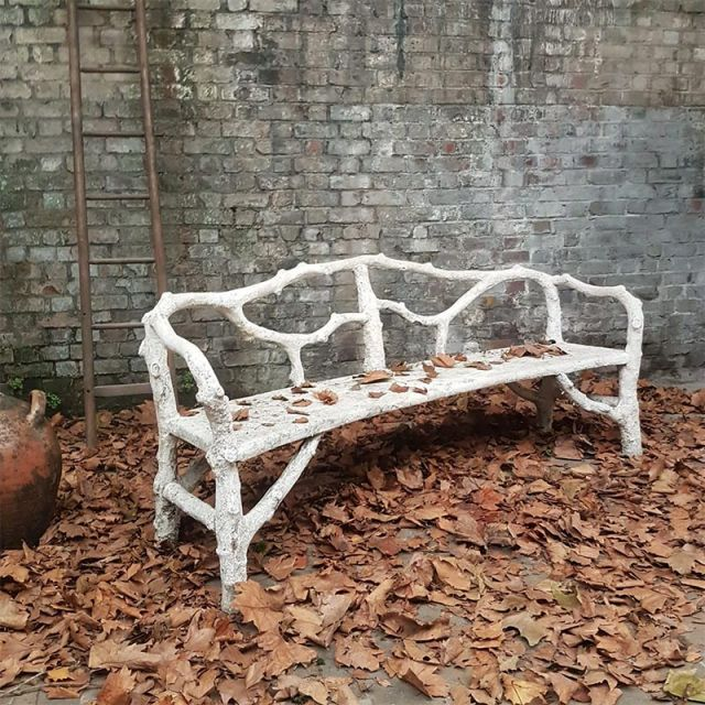 illustrations/french-faux-bois-bench.jpg